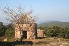 http://bussaco.com.sapo.pt/galerias/galeria_III/fotosIII/moinhos%20da%20portela%2009.jpg