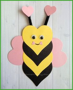 Om deze leuke dieren van hartjes te knutselen heb je behalve gekleurd papier nie… In addition to colored paper, you don't need to make these cute animals from the heart … – craft – # animals # colored Valentine's Day Crafts For Kids, Valentine Crafts For Kids, Daycare Crafts, Summer Crafts, Toddler Crafts, Easter Crafts, Holiday Crafts, Art For Kids, Children Crafts