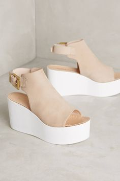 Sasha Flatforms by Alba Moda #anthrofave