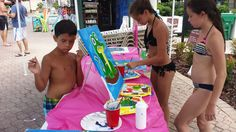 Just cant beat the heat, humidity and water... BUT you can always make it work.. Paint Mix & Mingle. Sheraton Vistan Resort Poolside Painting