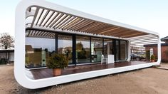 Meet the Prefab Unit Thats Smart Mobile and Sustainable - Smart House - Ideas of Smart House - These self-sufficient modular prefab housing units from Germany offer smart home technology and are designed to meet the Passive House Standard. Affordable Prefab Homes, Modern Prefab Homes, Modular Homes, Prefab Buildings, Prefabricated Houses, Mobile Living, Container Design, Container Homes, Home Technology