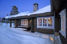 Building A Cabin, Mountain Cottage, Winter House, Scandinavian Home, Rustic Decor, Tiny House, Beach House, New Homes, Mansions