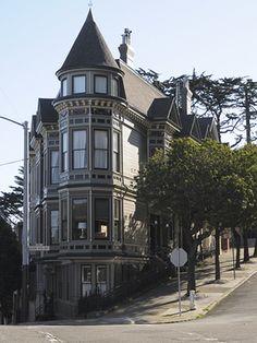 Haight Street Flatiron House. San Francisco, CA