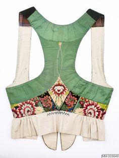 Swedish Fashion, Indian Fashion, Folk Costume, Costumes, Flamenco Costume, Handmade Fabric Bags, Frozen Costume, Fancy Blouse Designs, Folk Embroidery