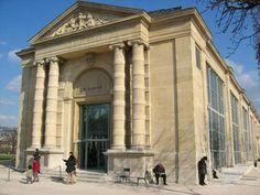 Le musée de l'orangerie in Paris to see Monet's Water Lilies