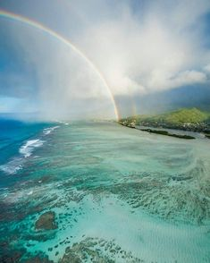 Hawaii Might Just Have The Best Rainbows On The Planet — HuffPost Beautiful World, Beautiful Places, Life In Paradise, Beach Pink, Hawaii Travel, Hawaii Beach, Usa Travel, Hawaii Honeymoon, Ocean Wallpaper