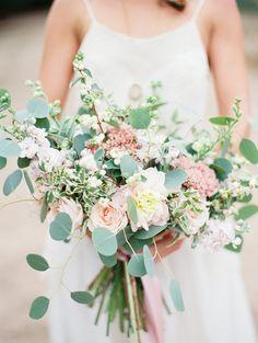 Classic Wedding Beauty Ideas via Magnolia Rouge