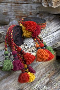 Folk Costume, Costumes, Ring Bracelet, Fashion History, Tassel Necklace, Tassels, Textiles, Embroidery, Weaving
