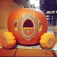 Cinderella's carriage pumpkin carving (with scrapbooking stick-ons) - Real Time - Diet, Exercise, Fitness, Finance You for Healthy articles ideas Halloween Treats, Halloween Pumpkins, Fall Halloween, Halloween Decorations, Pumpkin Decorating Contest, Pumpkin Contest, Cinderella Pumpkin Carriage, Amazing Pumpkin Carving, Pumpkin Carvings