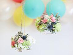 Klurar du på fina blomsterarrangemang till bröllopet? Lagerhaus tipsar om två sätt att höja den romantiska faktorn på den stora dagen.