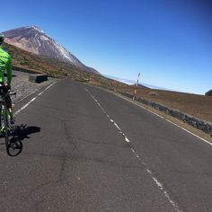 On the road... #teidetrainingcamp @rideargyle #sunny #funny by rocciaa