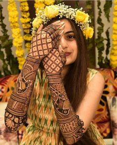 Are you looking for mehndi designs for full hands? Read on to check out mehndi designs for your wedding! Dulhan Mehndi Designs, Mehandi Designs, Latest Bridal Mehndi Designs, New Bridal Mehndi Designs, Tattoo Designs, Latest Mehndi, Latest Arabic Mehndi Designs, Arabic Design, Henna Hand Designs