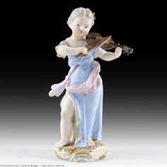 Statuette en porcelaine de Meissen, Jeune fille au violon