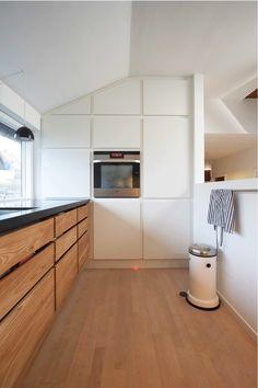 Model Minimal in oiled elm - Garde Hvalsøe ● Thought and Wood Küchen Design, House Design, Interior Design, Kitchen Interior, Kitchen Decor, Minimal Kitchen, Kitchen Time, Kitchen Models, Bespoke Kitchens
