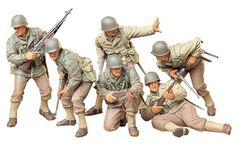 Tamiya U. Army Men, Us Army, Army Guys, Plastic Model Kits, Plastic Models, Uniform Insignia, Tamiya Models, Military Action Figures, Military Modelling