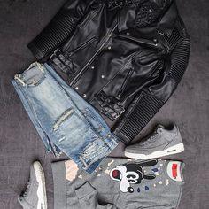 Keep it fresh. Cop a new outfit at Jimmy Jazz Jacket: #Decibel Sweatshirt: #vieriche  Jeans: #mnml  Sneakers:#Jordan