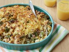 Breakfast Macaroni and Cheese with Sausage and Hash Browns--what Derek wants for Thanksgiving Hash Browns, Breakfast Recipes, Sausage Breakfast, What's For Breakfast, Breakfast Dishes, Breakfast Casserole, Brunch Recipes, Brunch Dishes, Macaroni And Cheese