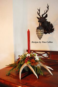 Bring in the Christmas season with this festive Rocky Mountain Mule Deer Antler Candelabra Centerpiece . A 4 point Colorado Mule deer antler-SR