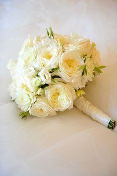 david austin roses, white dahlias, and lisianthus