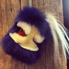 #fur #forbag #forkey #forkeys #fendibag #pompom #peekaboo #pradaedwardrobot #trolly #luxurybagcharm #bagbugs #bagcharm #isabellac #luxury #winter #winteraccessories