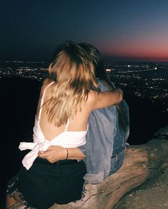 where derek takes a picture of izabelle and falls in love unexpectedly . Cute Friend Pictures, Best Friend Pictures, Couple Fotos, Shotting Photo, Girlfriend Goals, Cute Lesbian Couples, Lgbt Love, Cute Friends, Best Friend Goals
