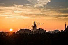 Sun over the Trees, Wonderful Sunrise   #desktop #wallpapers #photography #nature #photos #beautiful #clouds #fog #morning #sky #sun #sunrise #trees Beautiful Sunrise, Travel Information, Beautiful Architecture, European Travel, Worlds Of Fun, Paris Skyline, Holland, City, Outdoor
