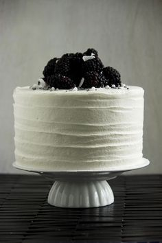 high contrast simple and awesome: Blackberry Cake