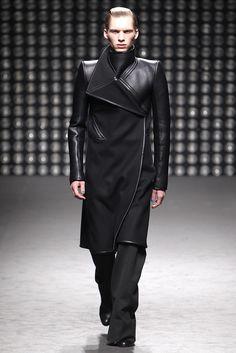 Gareth Pugh - Men Fashion Fall Winter 2011-2012 - Shows - Vogue.it