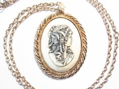 Sarah Coventry Cameo Necklace Gracious Lady Gold by darsjewelrybox