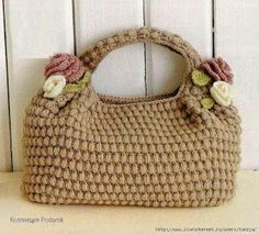 artimanhas: Clássicos... Free crochet bag pattern with Diagrams/charts only (including the flowers and leaves).