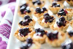 Mini Blueberry Cheesecakes Mini Blueberry Tarts, Blueberry Recipes, Blueberry Cheesecake, Phyllo Shell Recipe, Phyllo Dough Recipes, Phyllo Cups, No Cook Desserts, Sweet Desserts, Dessert Recipes