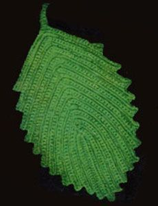 #Free Pattern; crochet; vintage pattern; Leaf Hot Plate Mat ~~ don't like color but interesting
