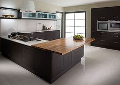 u shaped island in kitchen...just the U, not the kitchen