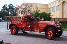 Bradenton, FL Fire Rescue Engine 1 - 1926 American LaFrance Pumper.