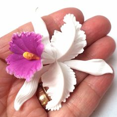 """VINTAGE ESTATE WHITE PURPLE CELLULOID SIGNED W GERMANY 2 1/2"""" BROOCH!!! 5954G"""