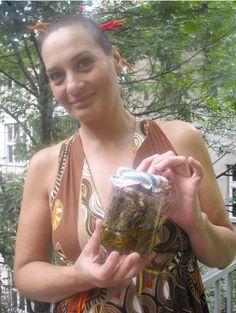 Glumica Amina Begović otkrila kako je izliječila diskus herniju i štitnu: Kantarionovo ulje je zakon