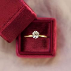 Old cut solitaire dreams  This stunner centers a 0.89 Ct old mine cut (or antique cushion) diamond in a 6 platinum prongs on a simple yellow gold band! Link in bio for the timeless Georgia ring!