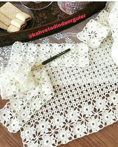 Görüntünün olası içeriği: 1 kişi Crochet Vest Pattern, Crochet Cardigan, Crochet Trim, Crochet Scarves, Crochet Motif, Crochet Shawl, Easy Crochet, Crochet Stitches, Knit Crochet
