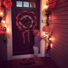 Our Styled Suburban Life: Fall and Halloween Front Porch!