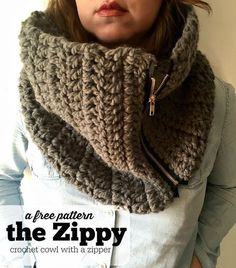 Learn how to make our crochet cowl with a zipper. This simple cowl pattern is fun and stylish. This pattern is perfect for beginners and make a great gift!
