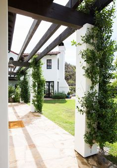 A casually elegant Pacific Palisades home