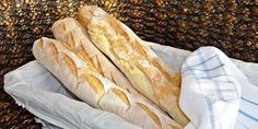 40 neuveriteľných premien žien pomocou make-upu French Baguette, Pan Bread, Bread And Pastries, Ciabatta, Pavlova, Hot Dog Buns, Bread Recipes, Food And Drink, Healthy Recipes
