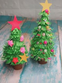 Christmas Tree Paper Craft, Paper Christmas Decorations, Christmas Origami, Christmas Crafts For Kids, Christmas Diy, Christmas Ornaments, Paper Plate Crafts For Kids, Easy Crafts, Super Easy