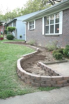 """Landscaping. This is a really good """"beginner friendly"""" blog post with step by step instructions and pictures. #LandscapingFrontYard"""