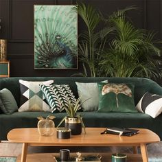 print & pattern Living Room Green, Green Rooms, Living Room Sofa, Home Living Room, Living Room Designs, Living Room Decor, Bedroom Decor, Barn Living, Cozy Living
