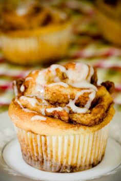 Apple Pecan Cinnamon Roll Cupcakes