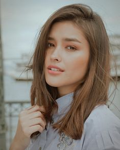 Tips For Changing Your Hairstyle. If you like your hairdo, there's no reason to agonize over making a s Liza Soberano Instagram, Straight Hairstyles, Cool Hairstyles, Lisa Soberano, Filipina Beauty, Girl Photo Poses, Most Beautiful Faces, Asian Hair, Pretty Face