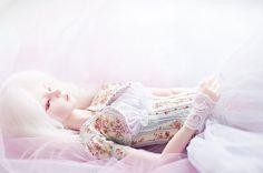 Цифровая фотография для скачивания - спящая девушка