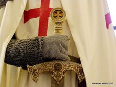 Knights Templar: A #Knight #Templar with sword.