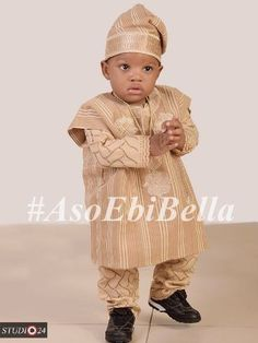 An a wedding guest {bella} looking stunning in aso-ebi – the fabric/colours of the - BellaNaija Weddings. African Fashion Skirts, African Dresses For Kids, African Babies, African Children, Ghanaian Fashion, African Men Fashion, African Women, African Attire, African Wear